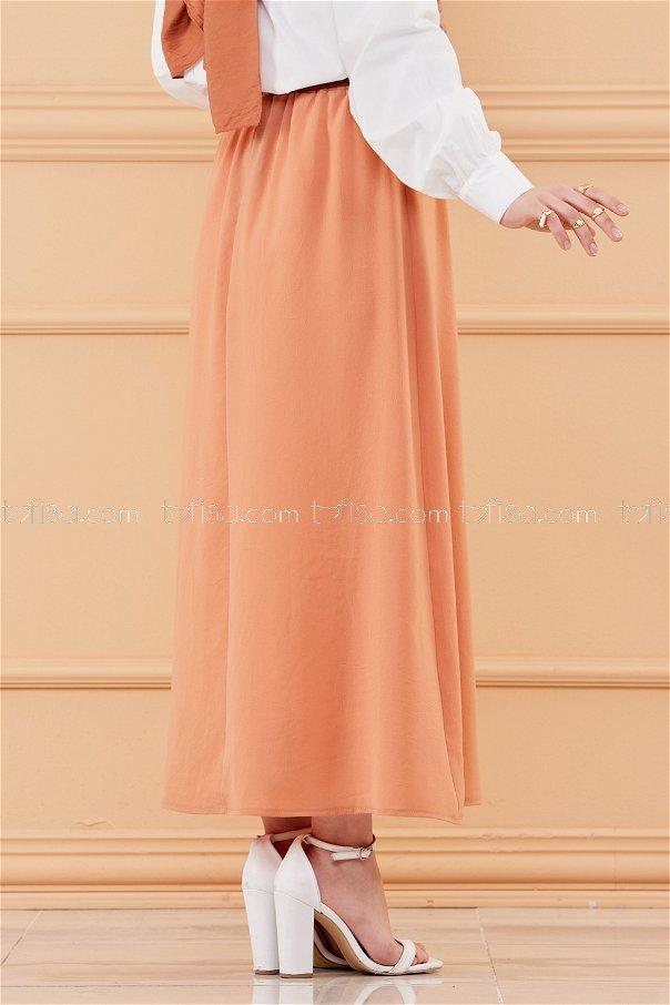 تنورة مزينة بأزرار بني- 20038