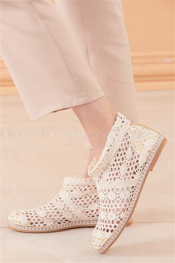 حذاء شبكي لون سكري 20566