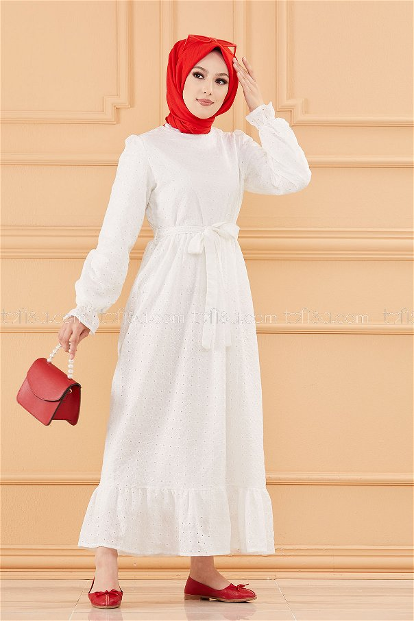 فستان لون ابيض 20654