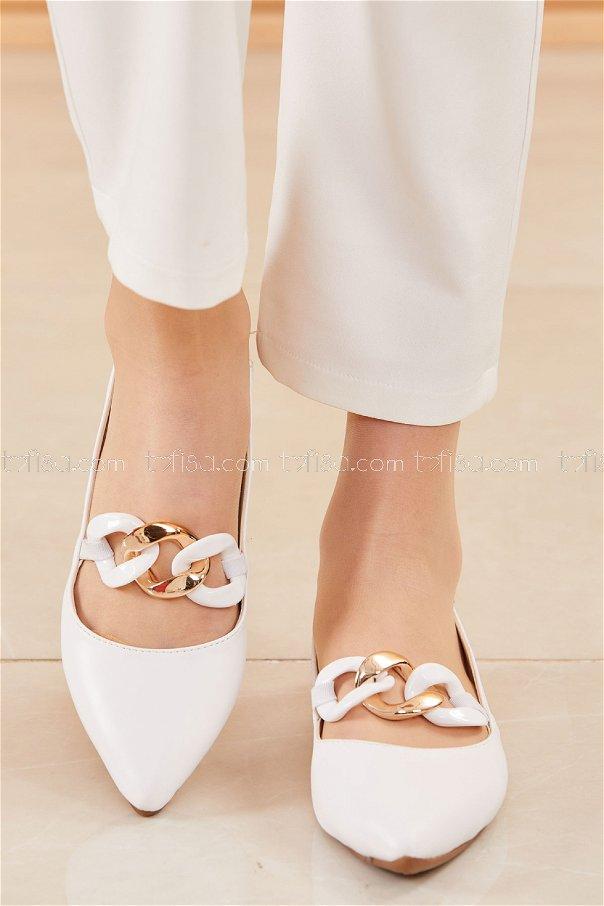 حذاء لون ابيض 20664