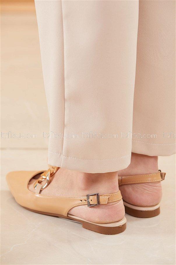 حذاء لون بيج 20664