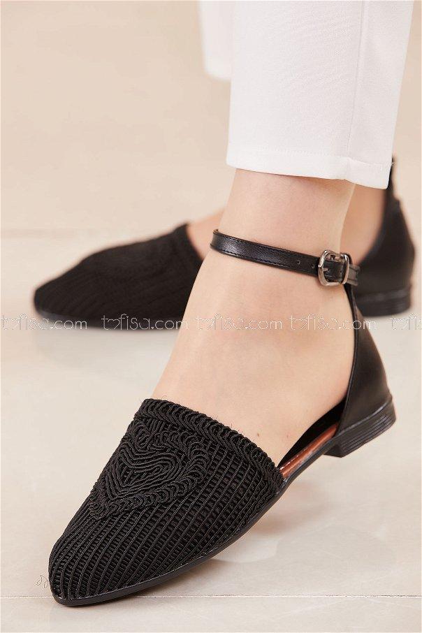 حذاء لون اسود 20684