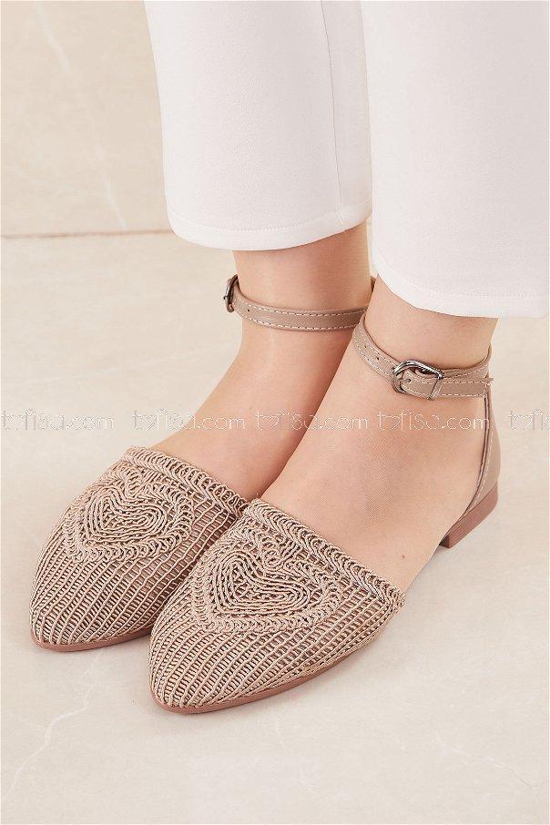 حذاء لون بيج 20684