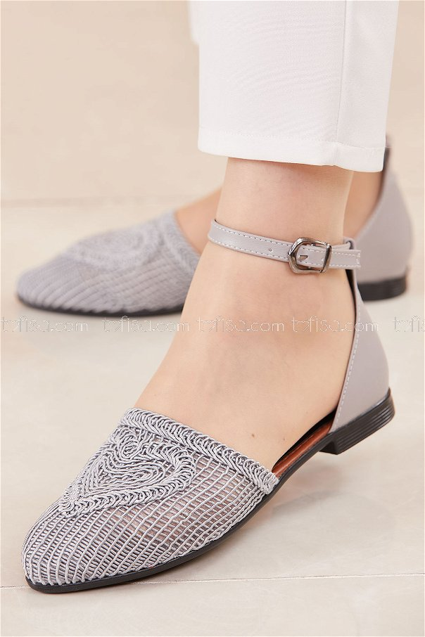حذاء لون فضي 20684