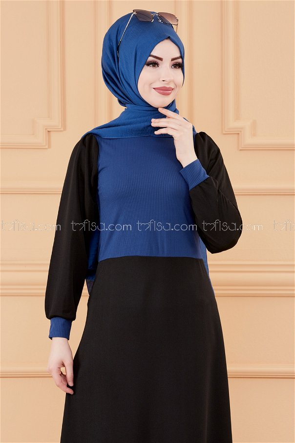 فستان مطرز لون ازرق داكن 3508