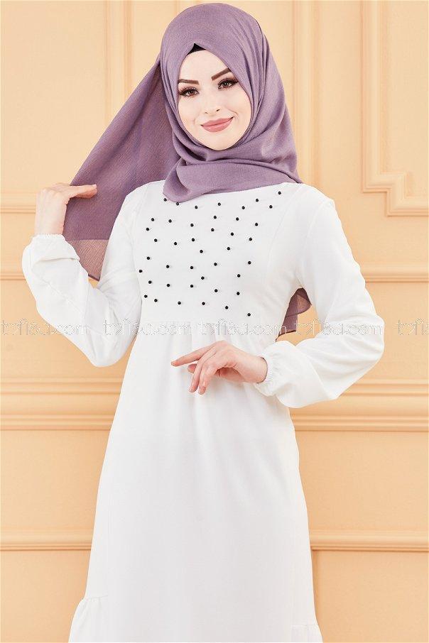 فستان لون ابيض 3509