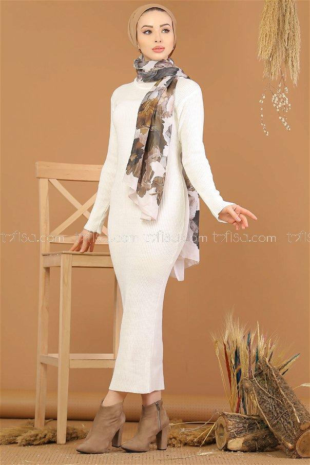 فستان تريكو بياقة عنق ابيض - 8142