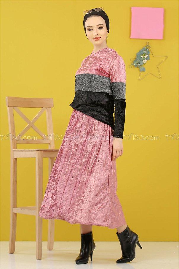 طقم قطعتين تونيك مع تنورة سلفر قديفة وردي - 8246