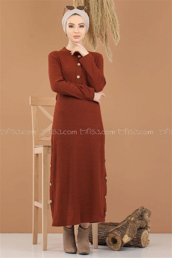 فستان تريكو تفاصيل ازرار قرميدي - 8283