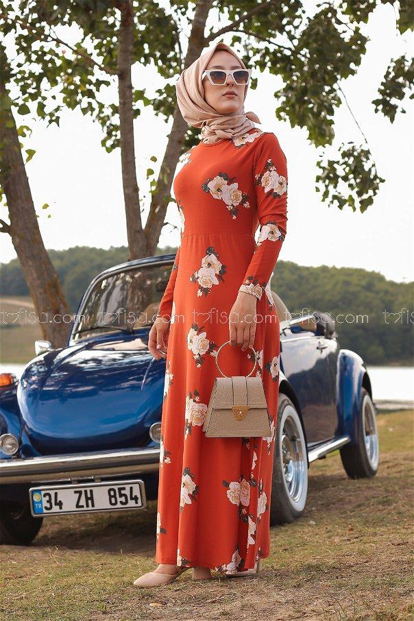 فستان لون قرميد 8440