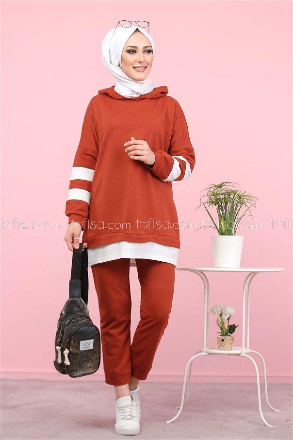 Tunic and Pants Tile - 3024