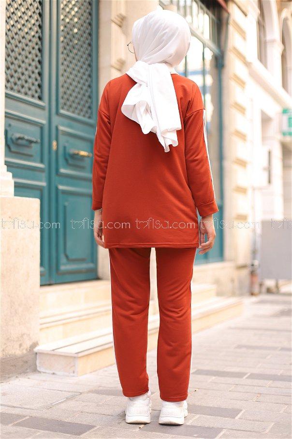 Tunic and Pants Tile - 8401
